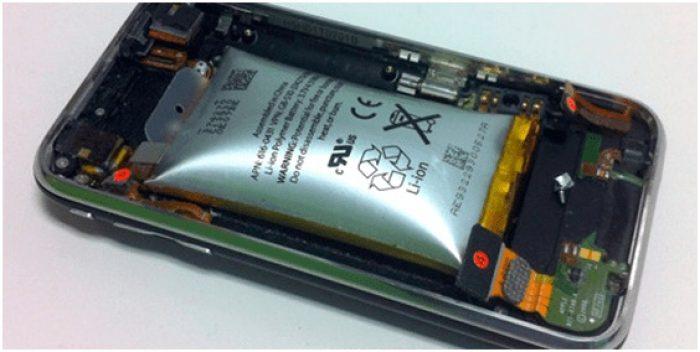 Cara Mengatasi Smartphone Mati Total Baterai Rusak Kembung
